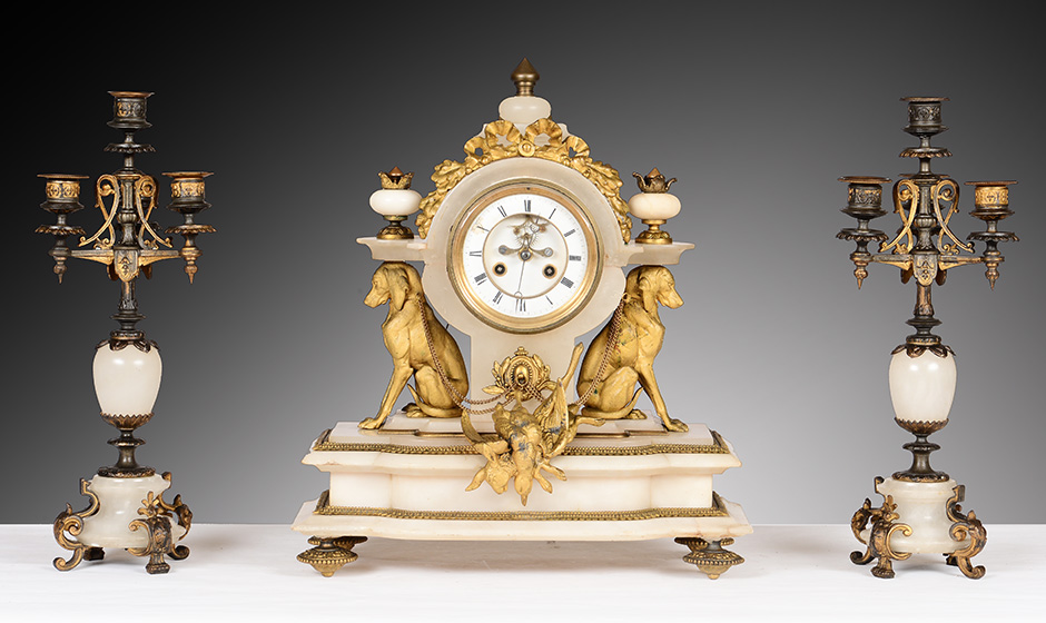 More than 200 Table Clocks without Reserve